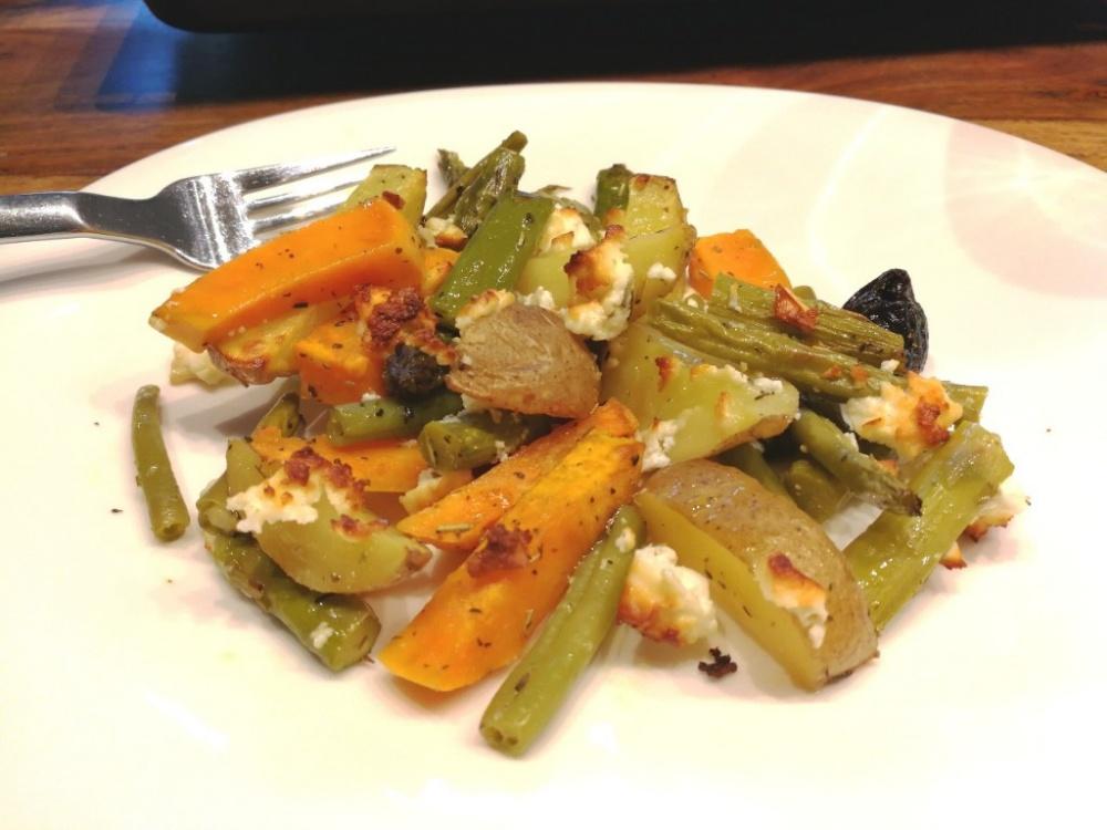 Kartoffeln und Gemüse aus dem Ofen.