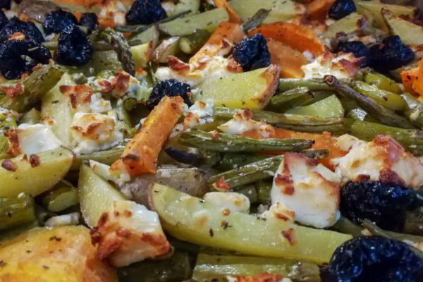 Lecker und gesund: Ofengemüse mit Feta