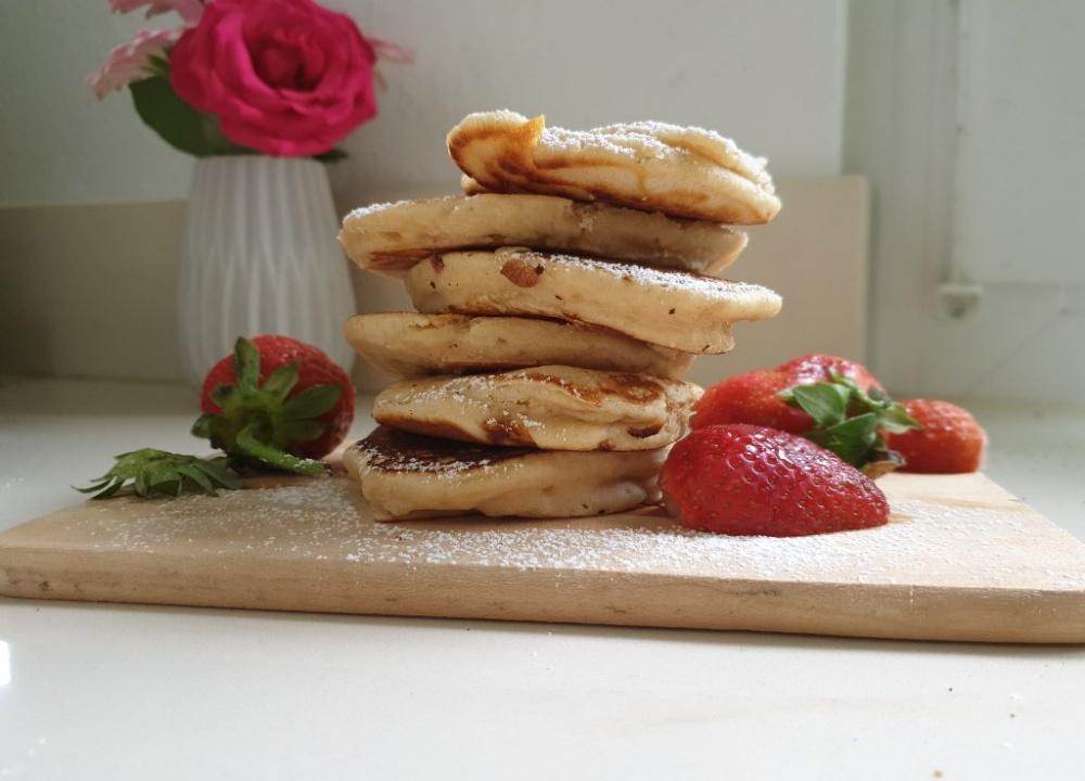 You are currently viewing Pancakes ohne Eier und ohne viel Aufwand – ein perfektes Frühstück für Kinder