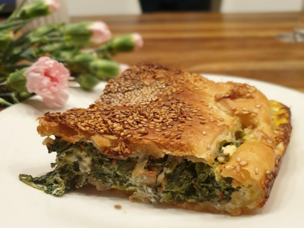 You are currently viewing Spinat-Feta-Auflauf in Blätterteig – ein perfektes Essen für alle Schafkäse-Liebhaber